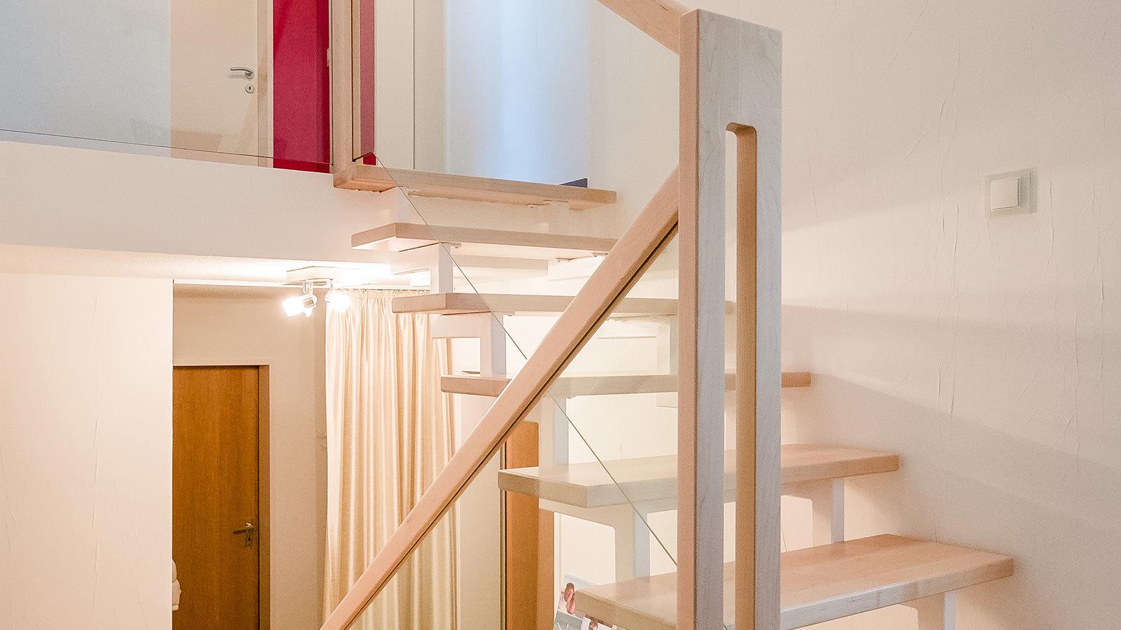 Tischlerei Hagemeier, Projekte, Treppensanierung in Bielefeld, Treppenstufen aus Ahorn