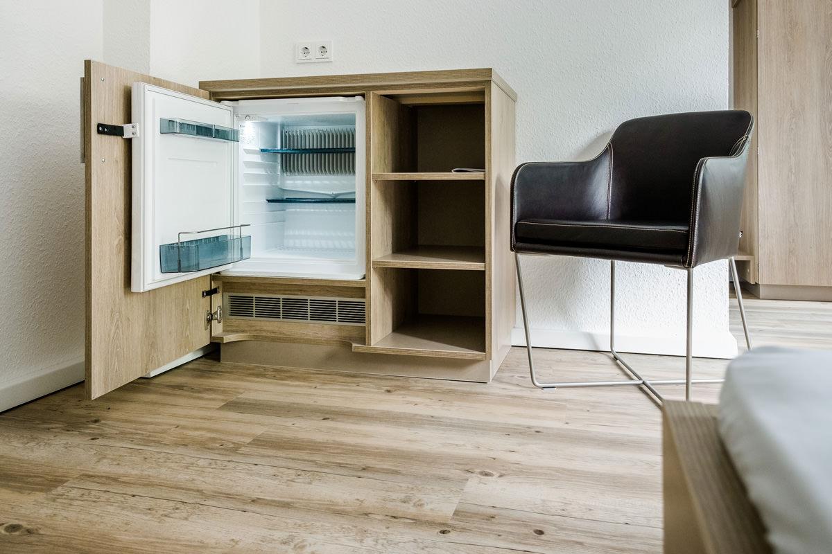 Tischlerei Hagemeier, Projekte, Referenz Gütersloh, Möbelbau Minibar