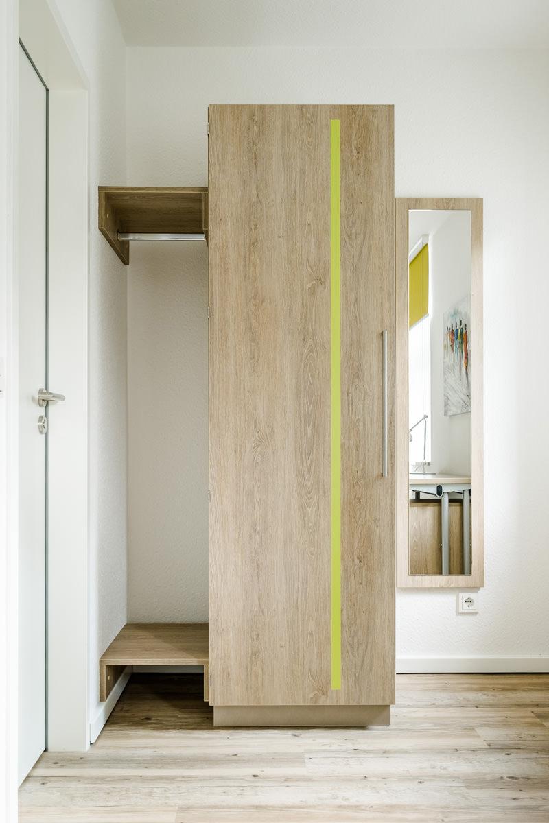 Tischlerei Hagemeier, Referenz Gütersloh, Möbelbau Kleiderschrank und Garderobe