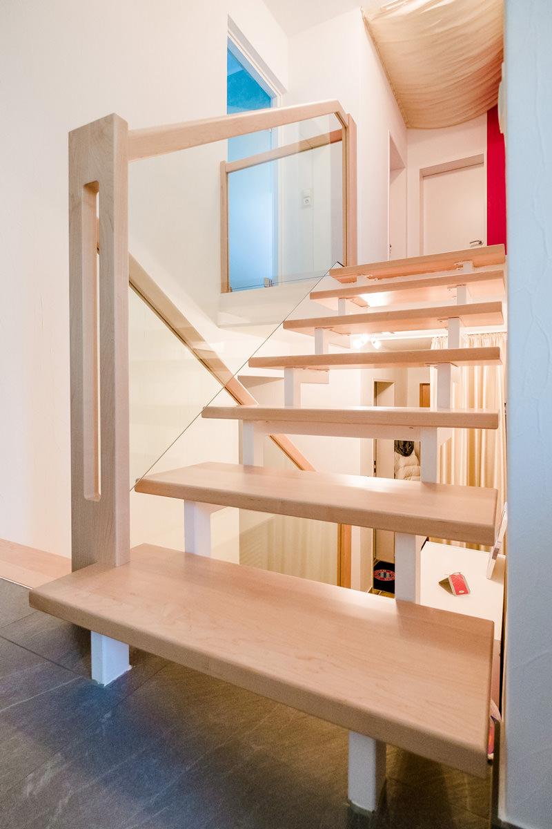 Tischlerei Hagemeier, Projekte, Referenz in Bielefeld, Treppenstufen aus Ahorn