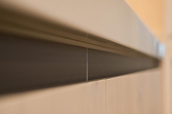 Grifflose Fronten aus Fichtenholz-Dreischichtplatte
